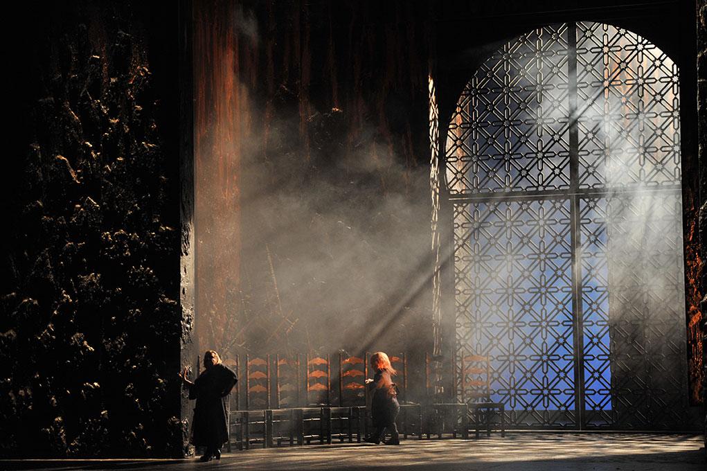 """Peter Gatzweiler spielt in der Oper """"Carmen"""" mit"""