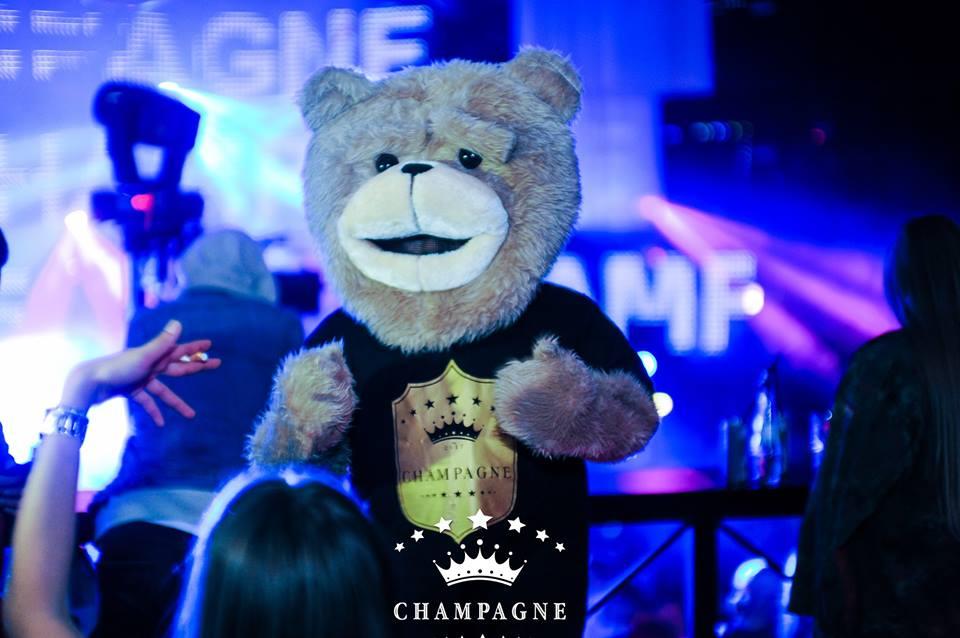 Cihan Caglar auf Champagne Party gebucht