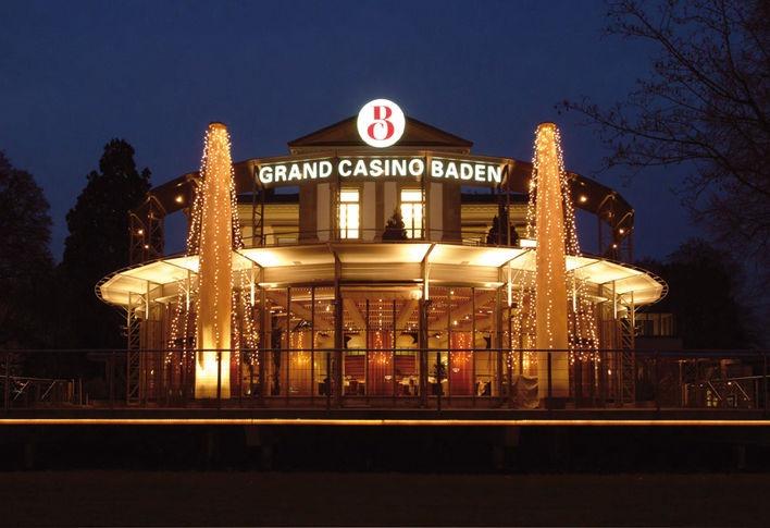 Die kleinwüchsigen Schauspieler Peter Gatzweiler, Cihan Caglar und Peter Brownbill sind heute wieder im Grand Casino Baden in der Schweiz als Walk Act im Einsatz.